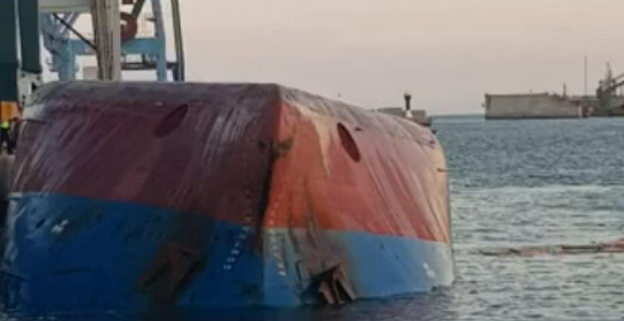 La tripulación del buque Nazmiye Ana, que zozobró en Castellón, acosada por su armador